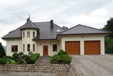 posiadłość na sprzedaż w okolicy Karpacza, widok od frontu