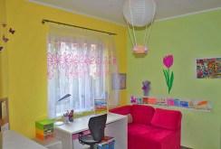 widok na pokój dziecięcy w apartamencie w Szczecinie do sprzedaży