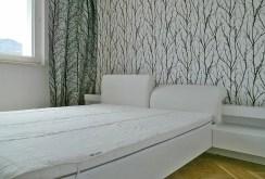 na zdjęciu sypialnia w ekskluzywnym apartamencie do sprzedaży w Katowicach