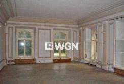 na zdjęciu wnętrze luksusowego pałacu w Cieszynie do sprzedaży