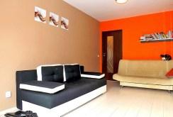 na zdjęciu druga część salonu w apartamencie w Lublinie do sprzedaży