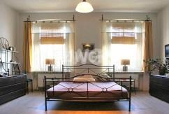 zdjęcie przedstawia sypialnię w apartamencie w Szczecinie na wynajem