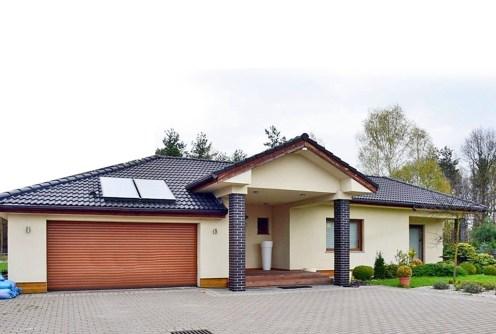na zdjęciu front willi do sprzedaży w Bolesławcu