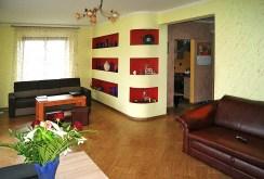 na zdjęciu jeden z pokoi w luksusowej willi w okolicy Gorzowa Wielkopolskiego na sprzedaż