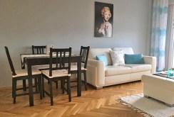 zdjęcie przedstawia fragment salonu z innej perspektywy do sprzedaży w Warszawie