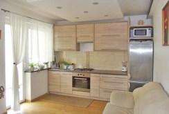 luksusowo i komfortowo wyposażona kuchnia w apartamencie do sprzedaży w Wałbrzychu