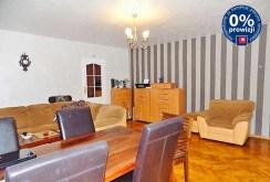 widok z innej perspektywy na salon w ekskluzywnej willi w Głogowie na sprzedaż