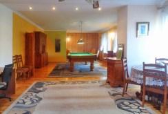 zdjęcie prezentuje pokój billardowy w willi do sprzedaży w Gorzowie Wielkopolskim