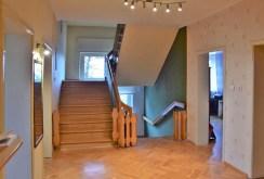 zdjęcie przedstawia luksusowe wnętrze willi na sprzedaż w okolicy Kalisza