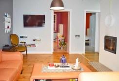 widok na ekskluzywne wnętrze luksusowego salonu na sprzedaż w okolicach Piły