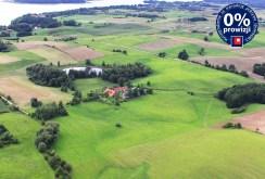 widok z lotu ptaka na willę do sprzedaży i okolicę na Mazurach