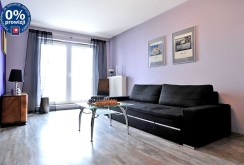 zdjęcie prezentuje salon w luksusowym apartamencie do sprzedaży w Chorzowie