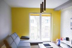 zdjęcie prezentuje ekskluzywny salon w apartamencie do sprzedaży w Białymstoku