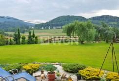 widok z tarasu ekskluzywnej willi na sprzedaż na góry w Ustroniu