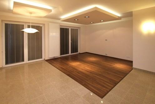 na wizualizacji przykładowa aranżacja salonu w apartamencie do sprzedaży w Częstochowie
