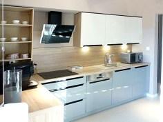 nowocześnie urządzona kuchnia w apartamencie w Ostrowie Wielkopolskim na sprzedaż