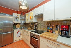 komfortowo urządzona kuchnia w apartamencie w Tarnowie na sprzedaż