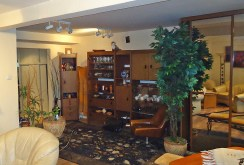 komfortowy salon w apartamencie w Łodzi na sprzedaż