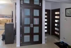 przedpokój oraz rozkład pokoi w apartamencie w Piotrkowi Trybunalskim do sprzedaży