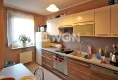 na zdjęciu nowocześnie urządzona kuchnia w apartamencie w Szczecinie do wynajmu