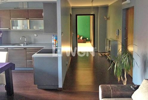 zdjęcie prezentuje luksusowe wnętrze apartamentu do wynajęcia w Szczecinie