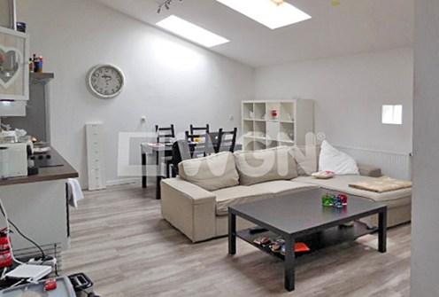zdjęcie prezentuje fragment salonu w ekskluzywnym apartamencie do wynajęcia w Szczecinie