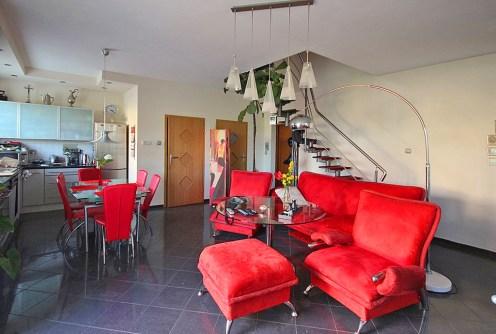 zdjęcie przedstawia bogate i luksusowe wnętrze ekskluzywnego apartamentu do wynajęcia w Szczecinie
