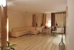 widok na komfortowy i nowoczesny salon w luksusowym apartamencie na wynajem w Toruniu