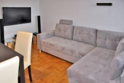 jeden z luksusowo wyposażonych pokoi w apartamencie w Toruniu na wynajem