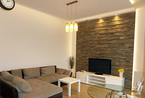 na zdjęciu salon w luksusowym apartamencie do wynajęcia we Wrocławiu