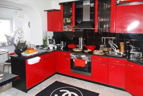 na zdjęciu komfortowa i nowoczesna kuchnia w willi do sprzedaży w Szczecinie