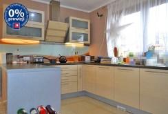 nowocześnie urządzona kuchnia w willi do sprzedaży w okolicach Bolesławca