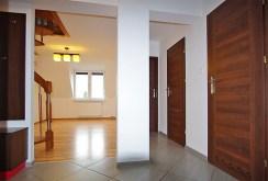 na zdjęciu komfortowe wnętrze ekskluzywnego apartamentu w okolicy Legnicy na sprzedaż
