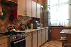 nowoczesna i komfortowa kuchnia w luksusowym apartamencie we Wrocławiu na sprzedaż