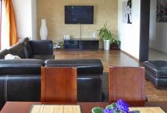 luksusowy salon w ekskluzywnej willi do wynajmu w okolicach Piotrkowa Trybunalskiego