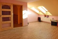jedno z pomieszczeń w luksusowej willi w okolicy Malborka na sprzedaż