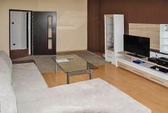 widok z innej perspektywy na luksusowe wnętrze ekskluzywnego apartamentu na sprzedaż w Szczecinie