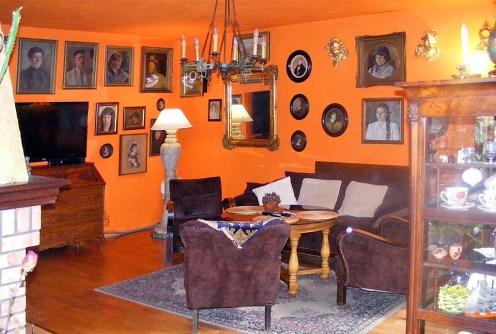 na zdjęciu stylowy salon w luksusowej willi do sprzedaży w okolicach Katowic