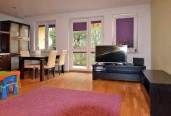 Zdjęcie prezentuje ekskluzywny salon w luksusowym apartamencie w Białymstoku na sprzedaż
