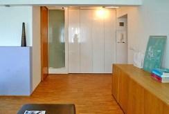 wnętrze luksusowego salonu w ekskluzywnym apartamencie w Krakowie na sprzedaż