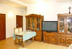 stylowy salon w ekskluzywnym apartamencie do wynajmu w Ostrowie Wielkopolskim