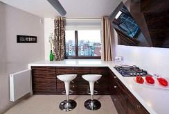 komfortowa kuchnia w luksusowym apartamencie do sprzedaży w Białymstoku