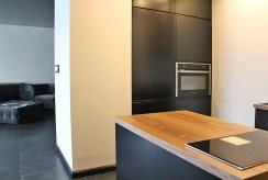 umeblowana i zabudowa kuchnia w luksusowym apartamencie w Katowicach na sprzedaż