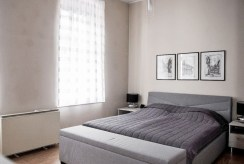 elegancka, intymna sypialnia w luksusowym apartamencie w Szczecinie na sprzedaż