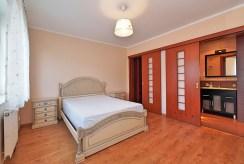 elegancka sypialnia w luksusowym apartamencie w Tarnowie na sprzedaż