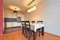 jadalnia oraz aneks kuchenny w luksusowym apartamencie do sprzedaży w Tarnowie