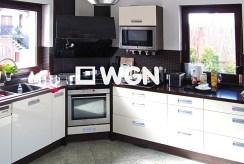 nowoczesna kuchnia w ekskluzywnej willi w Bolesławcu na wynajem