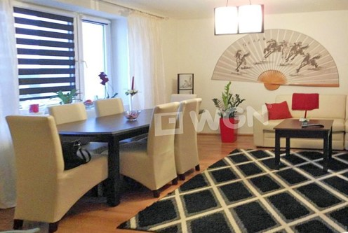 salon w stylu japońskim w ekskluzywnym apartamencie do sprzedaży w Częstochowie