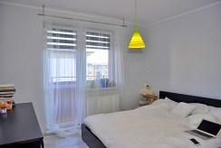zaciszna, prywatna sypialnia w luksusowym apartamencie w okolicach Wrocławia na sprzedaż