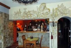 pokój z barem w ekskluzywnej willi do sprzedaży w Lądku-Zdroju